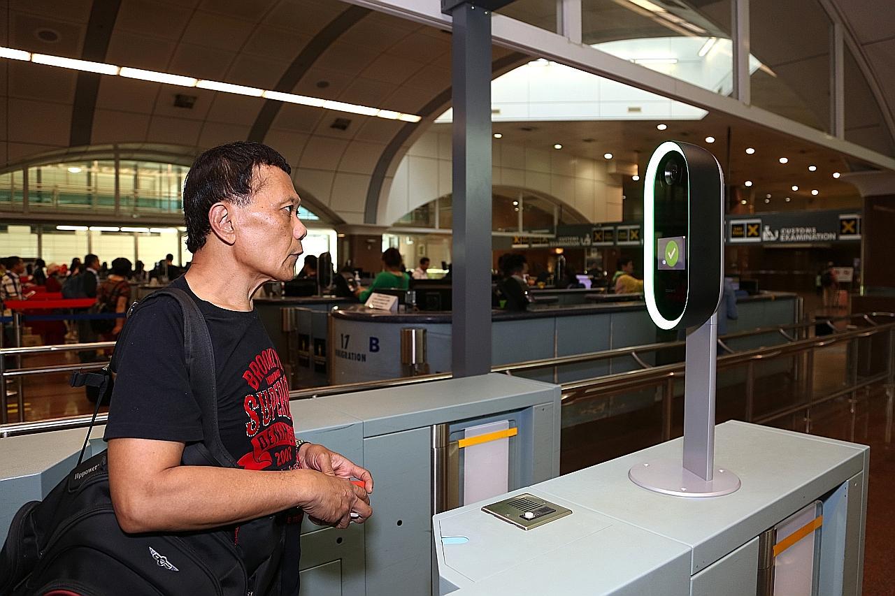 ICA jalani ujian imbas muka, iris bagi pemeriksaan imigresen di Tuas