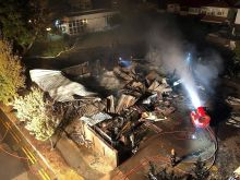 Api musnahkan kedai perabot di Upper East Coast
