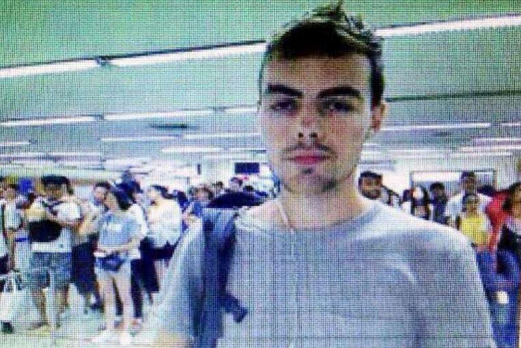 David James Roach dalam gambar yang diambil di lapangan terbang Bangkok, dan dikeluarkan oleh polis Thailand pada Selasa (12 Jul).