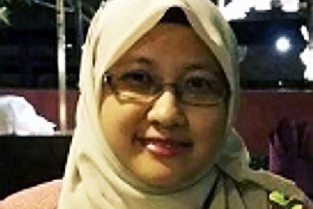 Siti Norashikin Hassan seorang guru Bahasa Melayu di Sekolah Menengah Deyi.