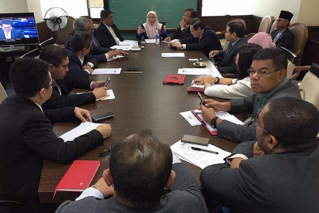 Ketua Pembangkang Parlimen Malaysia, Datin Dr Wan Azizah Wan Ismail, mempengerusikan mesyuarat majlis presiden Pakatan Harapan pada Isnin (20 Mac).