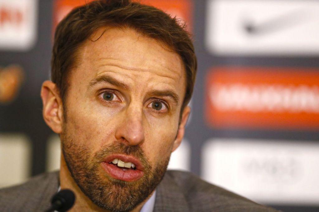 PERTARUHAN GENTING: Pemimpin England, Gareth Southgate, perlu menyakini keupayaan pemain muda ketika menentang Jerman dalam persiapan terakhir sebelum pusingan kelayakan Piala Dunia Ahad nanti. – Foto REUTERS