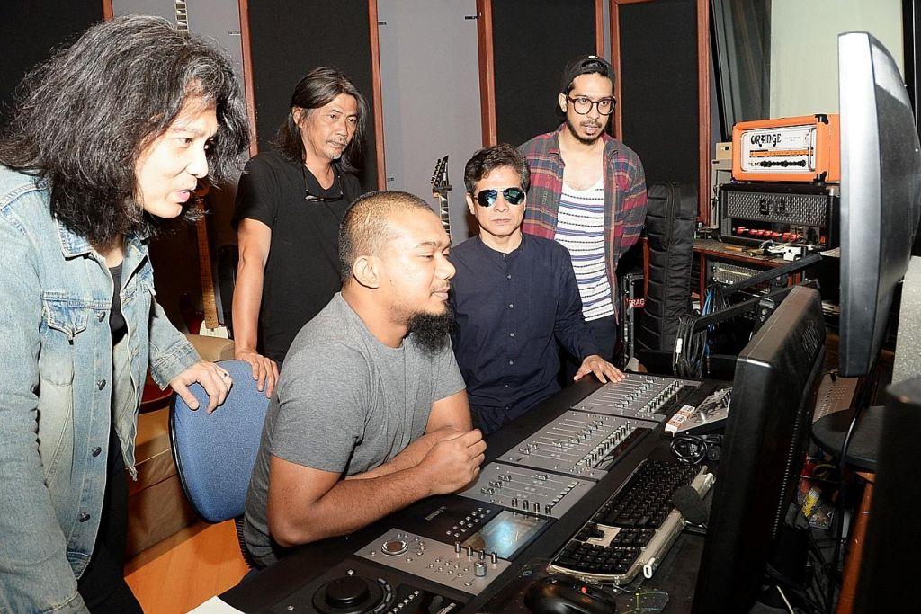 Pemuzik setempat terharu kotakan impian terbit album penggubah mapan