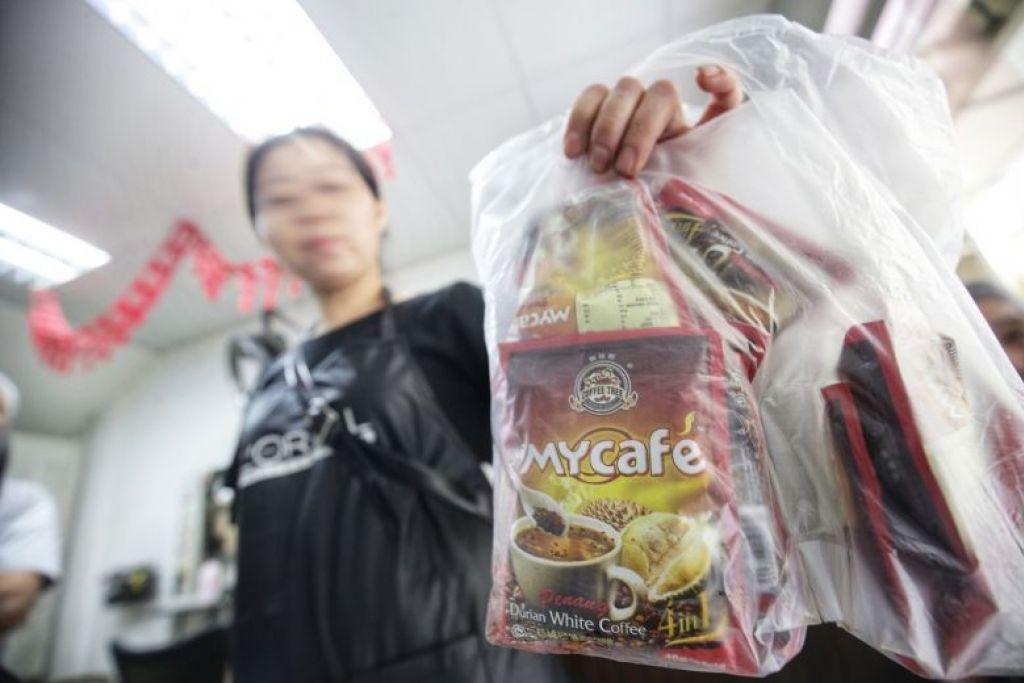KOPI DURIAN: Bahan yang dipercayai dadah dikesan dalam contoh campuran kopi segera yang dikenal pasti sebagai Mycafe Penang Durian White Coffee dalam beberapa laporan media.