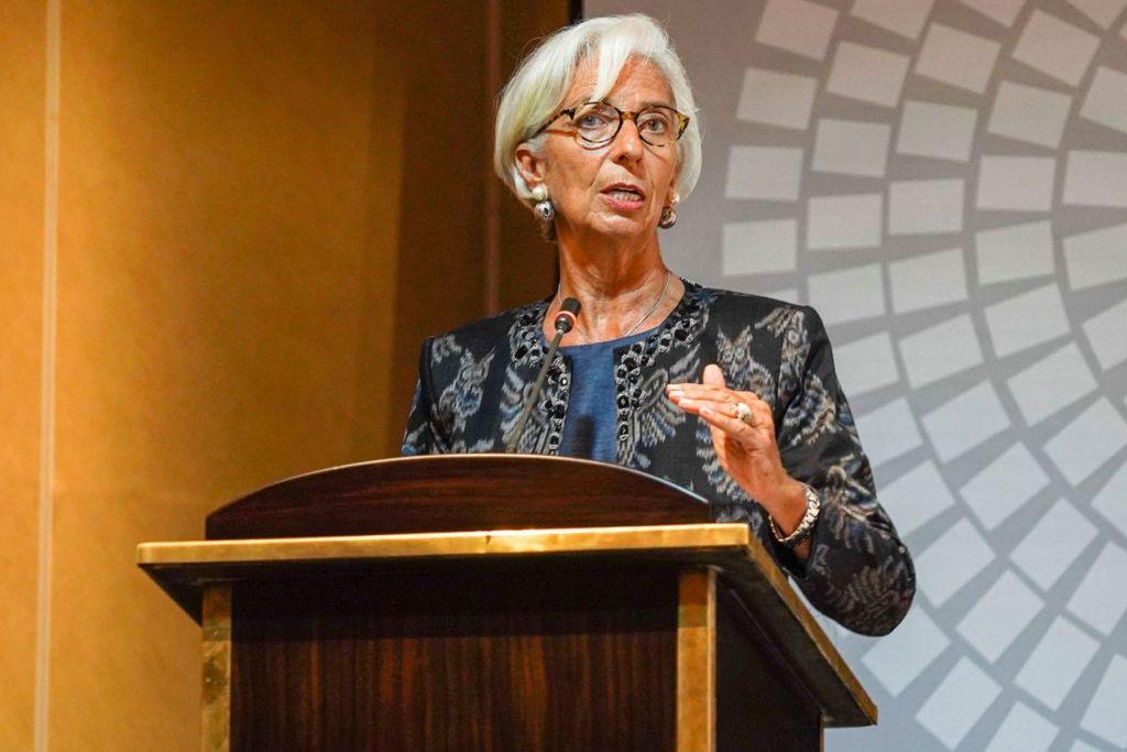 SERU KE ARAH KERJASAMA: Ketua Dana Kewangan Antarabangsa (IMF), Cik Christine Lagarde bercakap semasa Mesyuarat Tahunan IMF dan Kumpulan Bank Dunia di Nusa Dua Bali, Indonesia. - Foto REUTERS