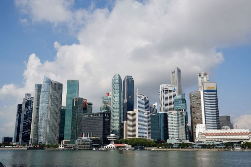 Singapore economy grows 2.6% in Q3, slowing less than expected