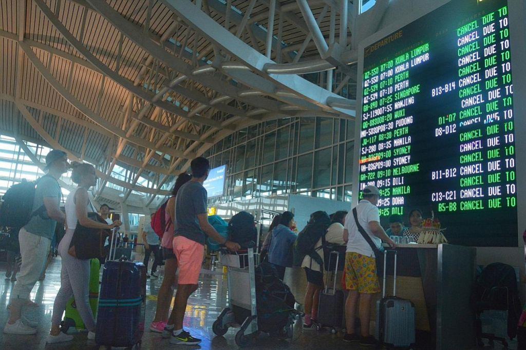 Ribuan penumpang terjejas ekoran letusan Gunung Agung