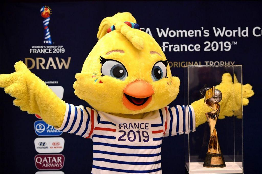 MASKOT PIALA DUNIA 2019: Ettie, maskot Piala Dunia Wanita Fifa 2019 FIFA diperkenalkan pada awal Disember tahun lalu di Boulogne-Billancourt, dekat Paris. – Foto AFP