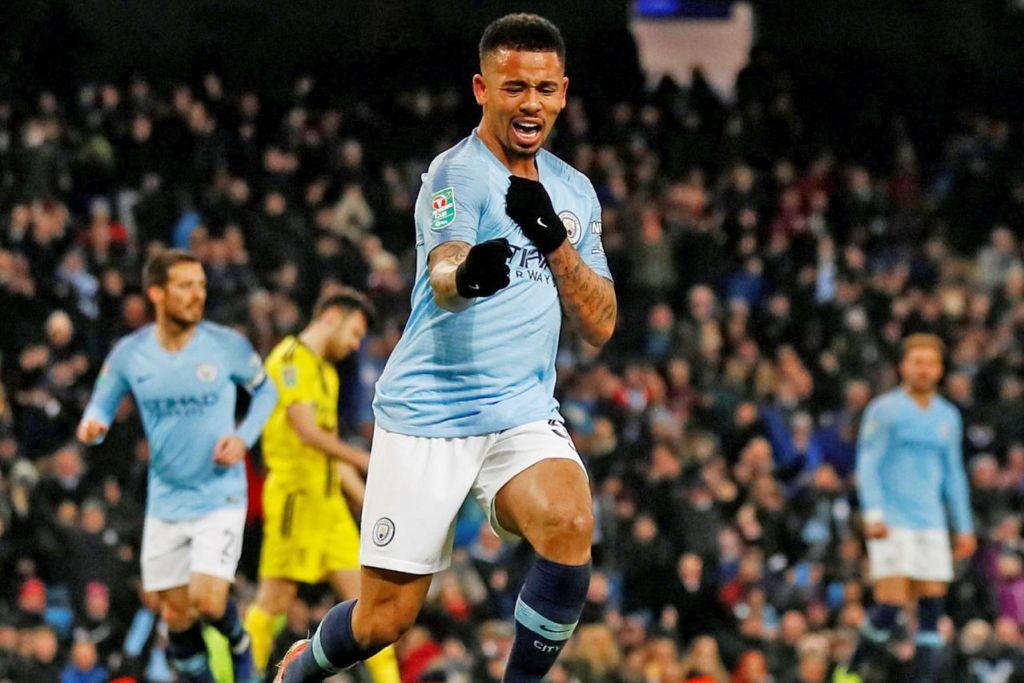 JARING EMPAT GOL: Penyerang Manchester City Gabriel Jesus meraikan gol ketiga ketika menentang Burton Albion dalam saingan separuh akhir pertama Piala Liga di Stadium Etihad. - Foto REUTERS
