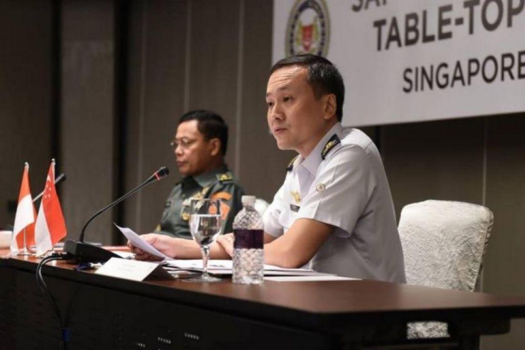 BG Tan (kanan) berkata walau unit pertempuran SAF ditugas untuk mengekalkan keberkesanan operasi dalam mempertahankan negara, mereka juga perlu mengamakan piawaian keselamatan yang tinggi.