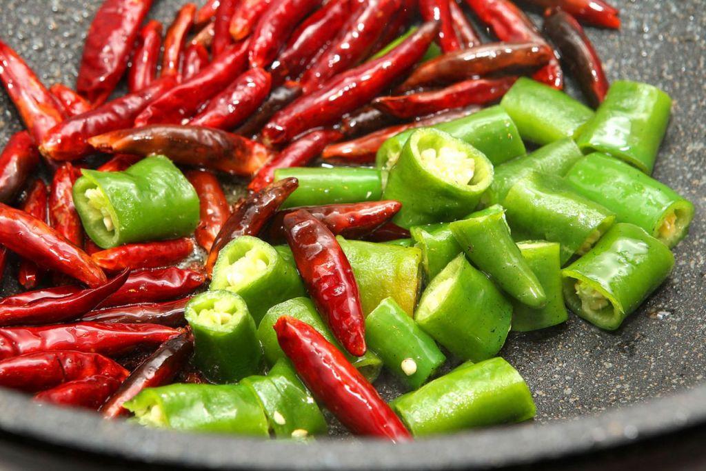 KHASIAT LADA: Bahan yang dipanggil capsaicin dalam lada dapat membantu menghilangkan lemak dan menyekat nafsu makan secara semula jadi.