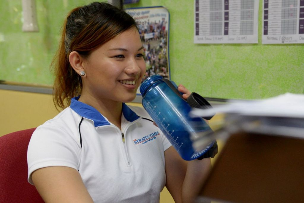 BANYAKKAN MINUM AIR: Menurut satu kajian yang dijalankan di Jerman, minum hanya 500 ml air dapat meningkatkan pembakaran kalori sebanyak 24 peratus dalam tempoh satu jam.