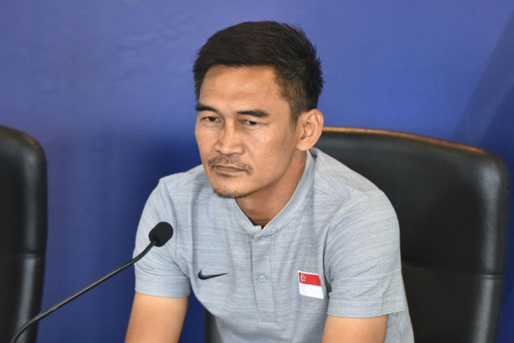 BANGGA: Jurulatih sementara pasukan bola sepak Singapura, Nazri Nasir, bangga dengan pencapaian anak didiknya meskipun tewas 5-4 melalui tendangan penalti selepas keputusan seri 1-1 semasa menentang Oman dalam Piala Air Marine.
