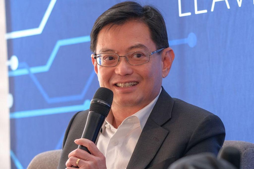 """""""Tetapi yang lebih penting adalah bagi kami untuk terus memberi tumpuan kepada perubahan struktur sangat besar yang sedang berlaku dalam ekonomi global dan ekonomi Singapura. Kami mesti terus memberi tumpuan kepada perubahan industri kami dan melihat bagaimana kami dapat wujudkan kerjasama."""" - Menteri Kewangan, Encik Heng Swee Keat."""