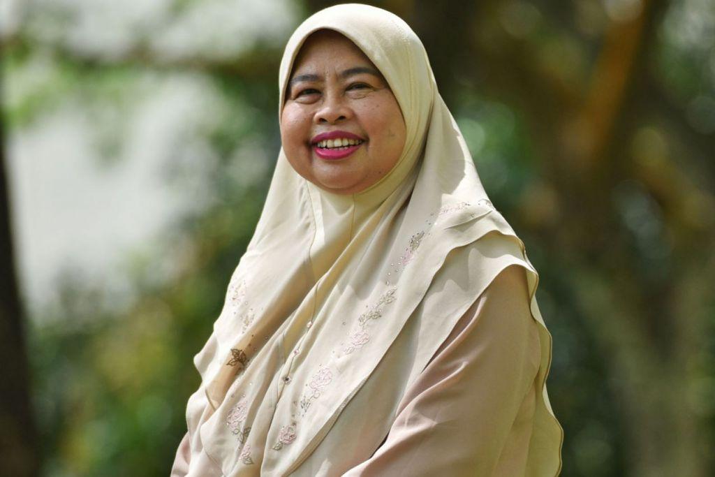 Ketua Kumpulan Akademik Bahasa dan Kebudayaan Asia (ALC) di NIE/NTU, Profesor Madya Hadijah Rahmat (atas)