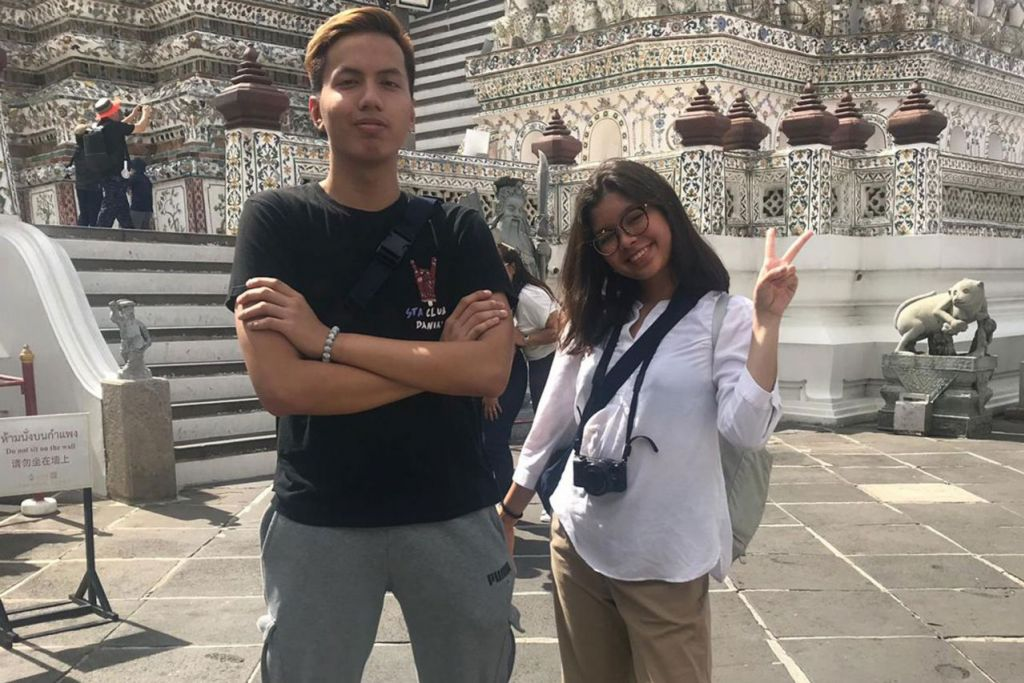 RAYA SEKEJAP: Erfan Danial Kasmadi dan Nurul Adila Edriana Abd Mutalib hanya beraya di Singapura kurang dari seminggu dan kini mereka sudah berada di Bangkok untuk menjalani program 'internship' sehingga akhir Ogos. - Foto ihsan Nurul Adila Edriana Abd Mutalib