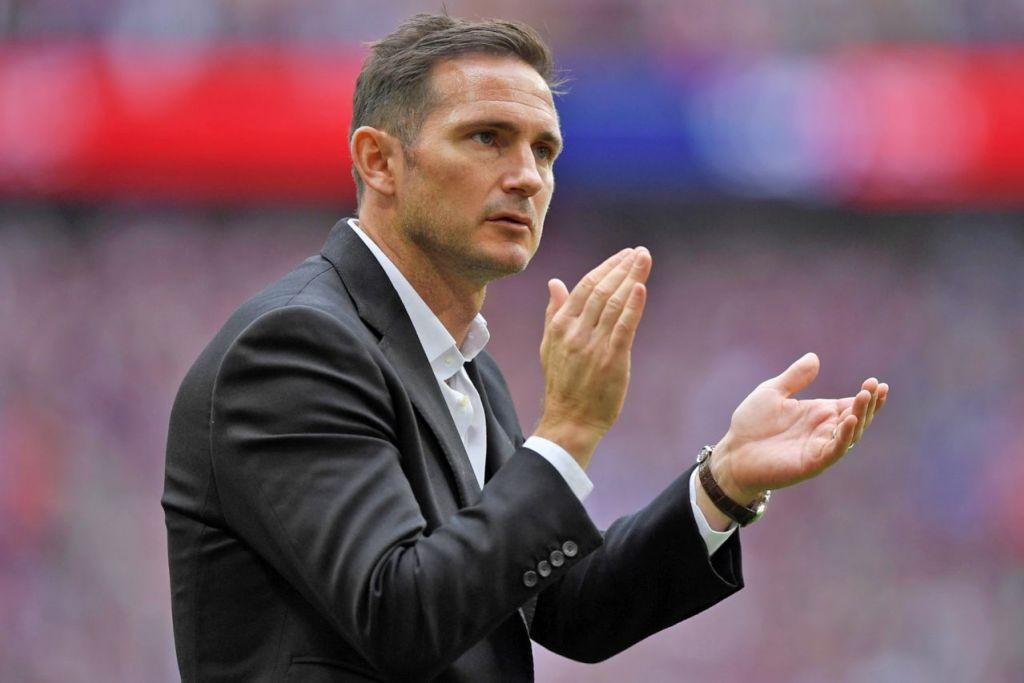 JADI PILIHAN UTAMA?: Lampard dikatakan mungkin jadi pilihan utama untuk kembali ke Stamford Bridge untuk membantu kelab itu, namun kali ini sebagai pengurus - Foto REUTERS